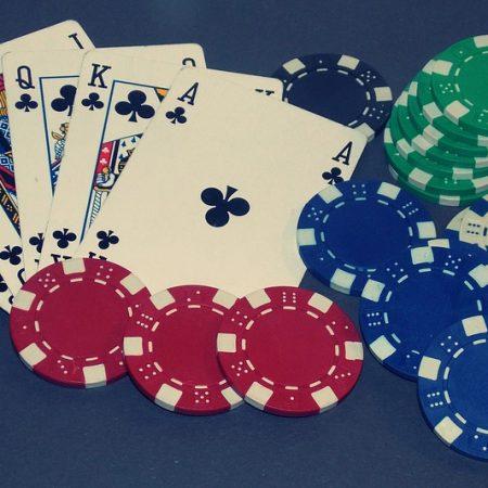 Trò chơi tiền mặt Vs. Giải đấu Poker