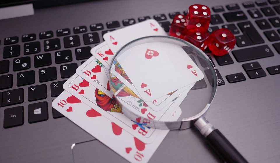 Hand Reading: How to Put Your Opponents on a Hand?