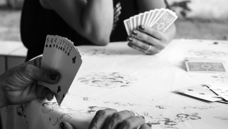 How to Assess and Study Your Opponent in Poker?