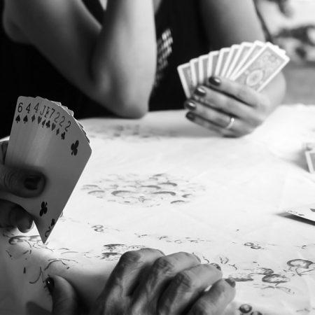 Come valutare e studiare il tuo avversario nel poker?