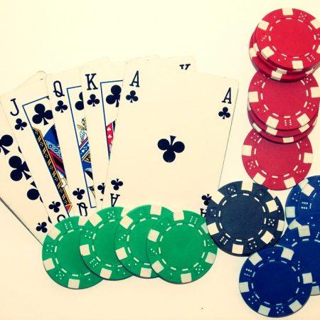 Những lý do để đặt cược trong poker
